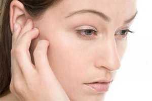 приметы о том, к чему чешется правое ухо