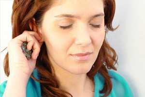 зуд на правом ухе