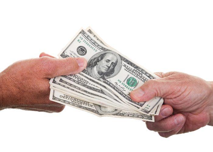 Когда нельзя одалживать деньги?
