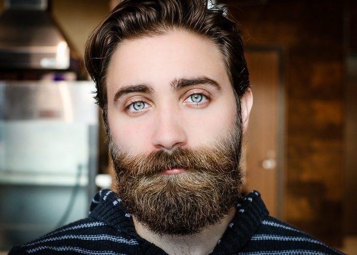 Чешется борода