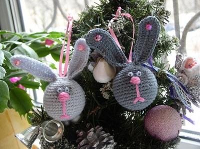 Заяц на елку