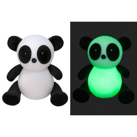 Милая панда не просто игрушка, она ещё и светится
