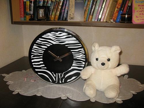 Часы и мишка