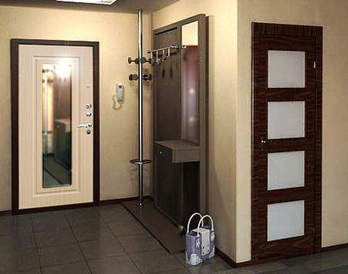 Входная дверь и зеркало