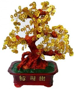 Денежное дерево с монетами